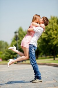 kiss and make up_Effective communication for couples